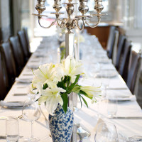 News_table setting_lilies
