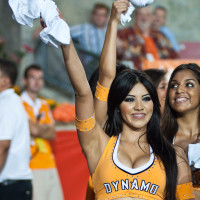 News_Dynamo_soccer_cheerleader