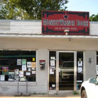 Austin_photo: Shopping_MonkeyWrench Books_exterior