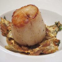 News_Signature Chef Dinner_Scallop_Vic & Anthony's