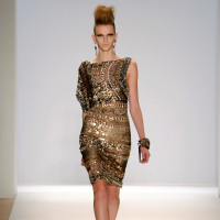 News_Fashion Week Fall 2010_Naeem Kahn_metallic short_Jemal Countess_Getty Images for Mercedes-Benz