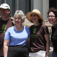 News_Joel Luks_community gardens_Downtown Houston Vegetable Container Garden Proowen_Annise Parker_Mary Frances Morris_Laura  Spanjian
