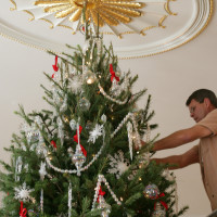 Deck the Halls and Welcome All: Christmas at the White House 2006
