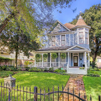Houston Heights Association Holiday Home Tour