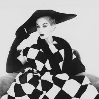 """""""Icons of Style: A Century of Fashion Photography"""""""