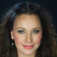 Christine D'Clario