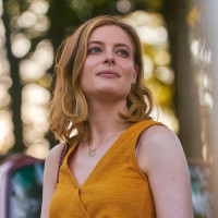 Gillian Jacobs in I Used to Go Here