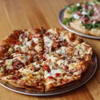 Shortie's pizza
