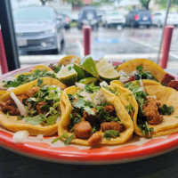 Mariachi's Dine In