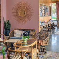 Sixth and Waller restaurant Austin