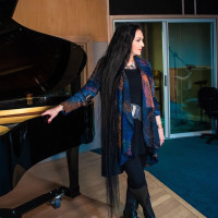 Country singer Crystal Gayle