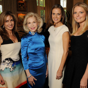 Lynn Wyatt Welcomes La Perla To H Town With Champagne