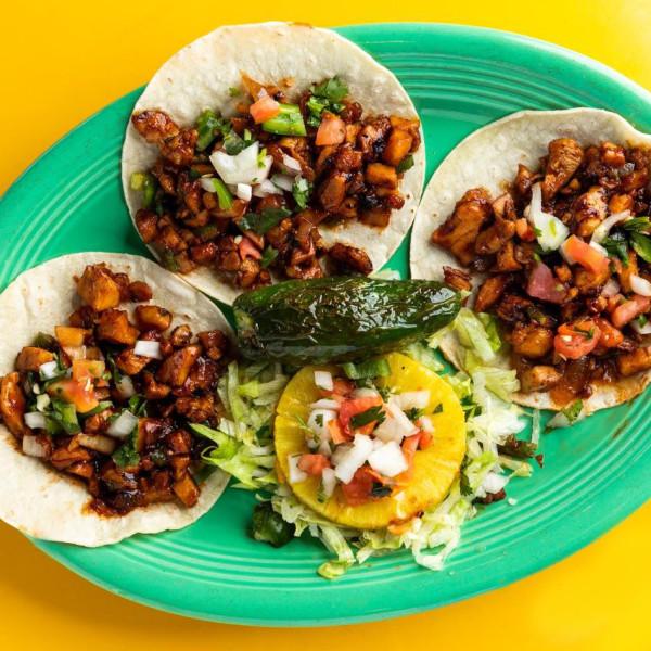 San Antonio Tex-Mex fave lugs its macho burritos to Dallas-Fort Worth