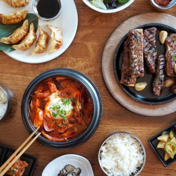 Spicy new Korean restaurant pops up in Austin with signature dish