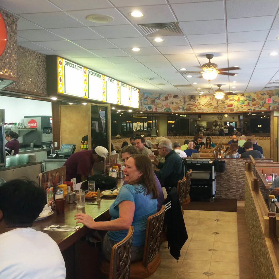 5 House of Pies reopens after fire April 2014