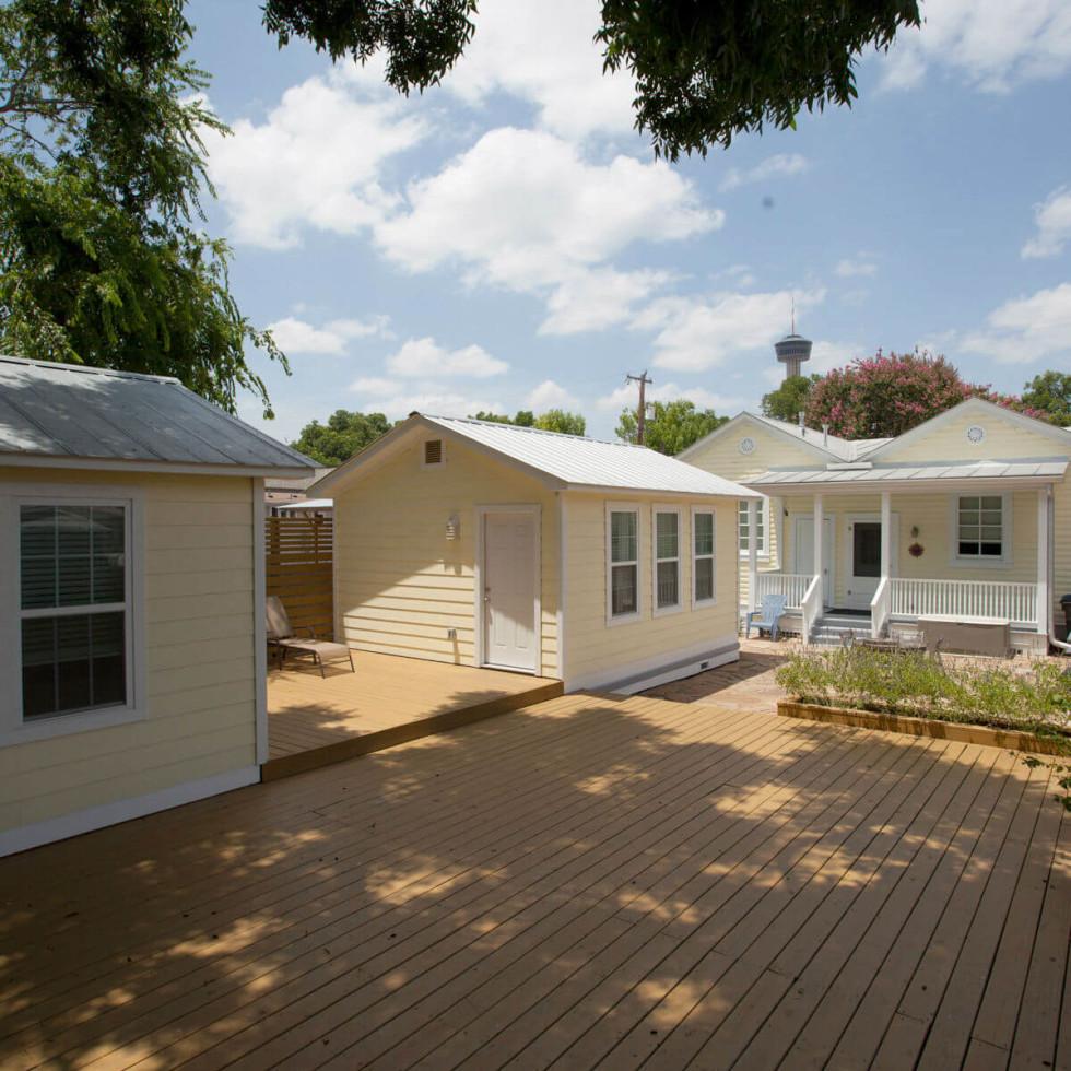 324 Leigh San Antonio home backyard