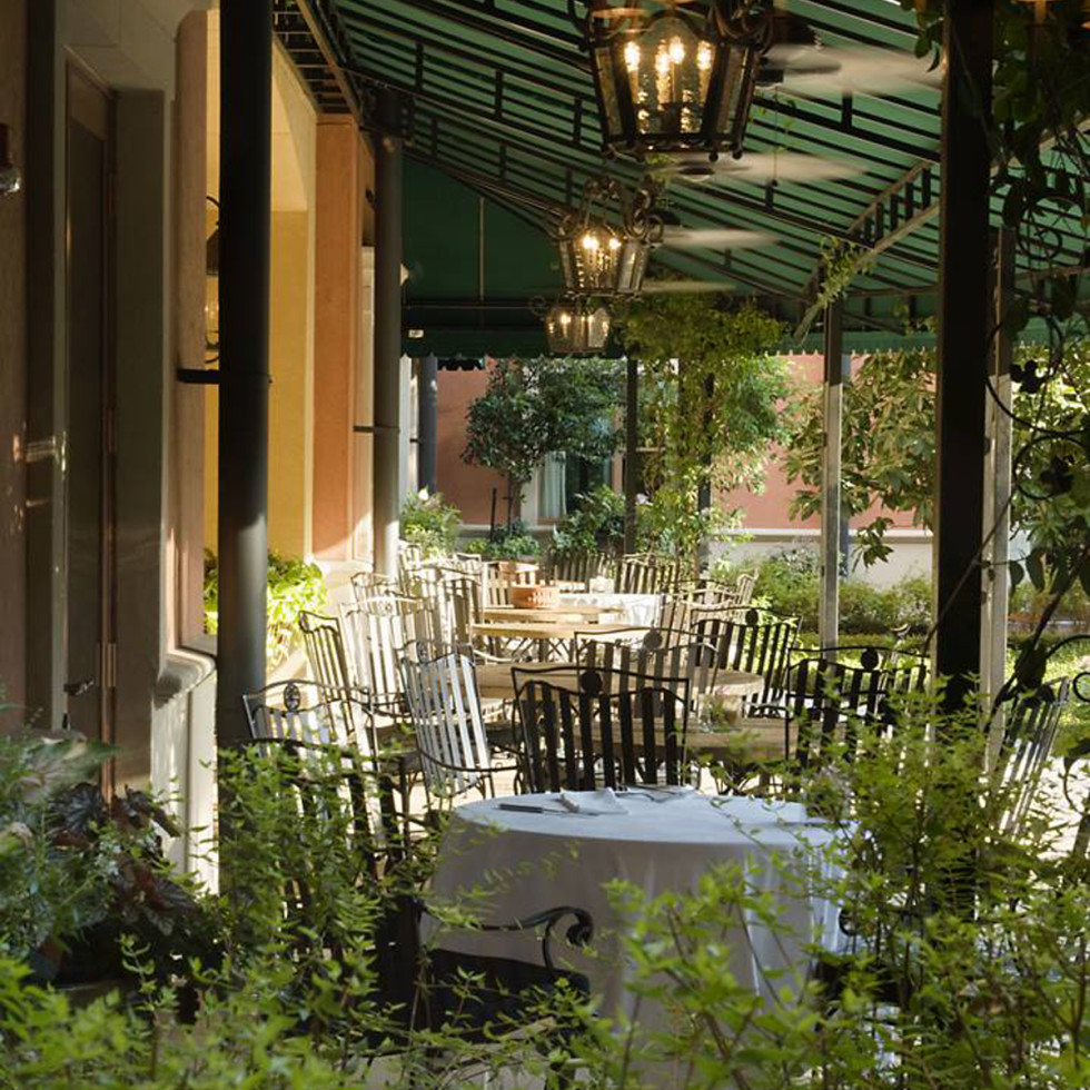 Hotel Granduca Houston patio