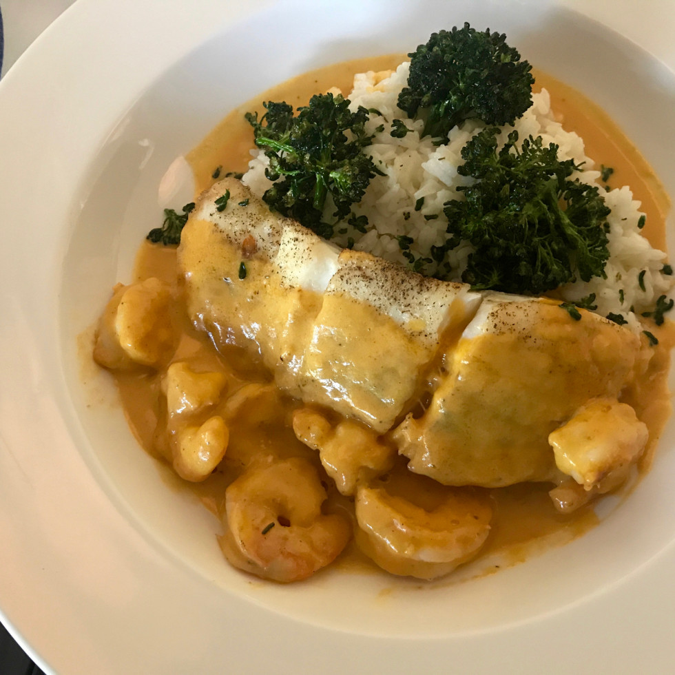 Starfish halibut with shrimp sauce
