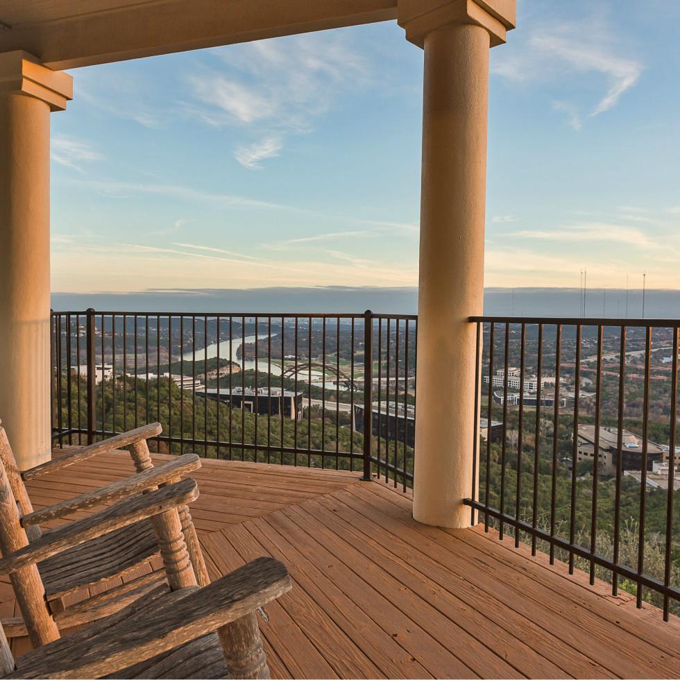 6603 Courtyard Austin house for sale, balcony
