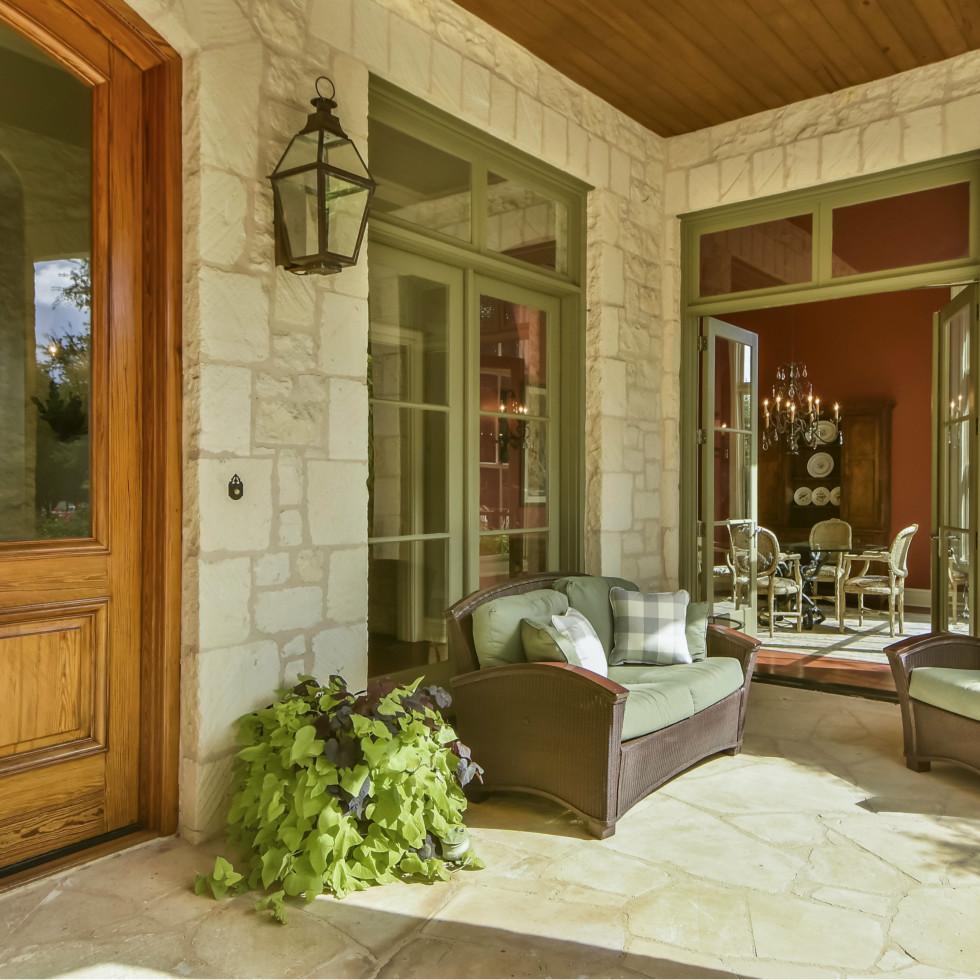 3904 Toro Canyon Rd Austin house for sale porch