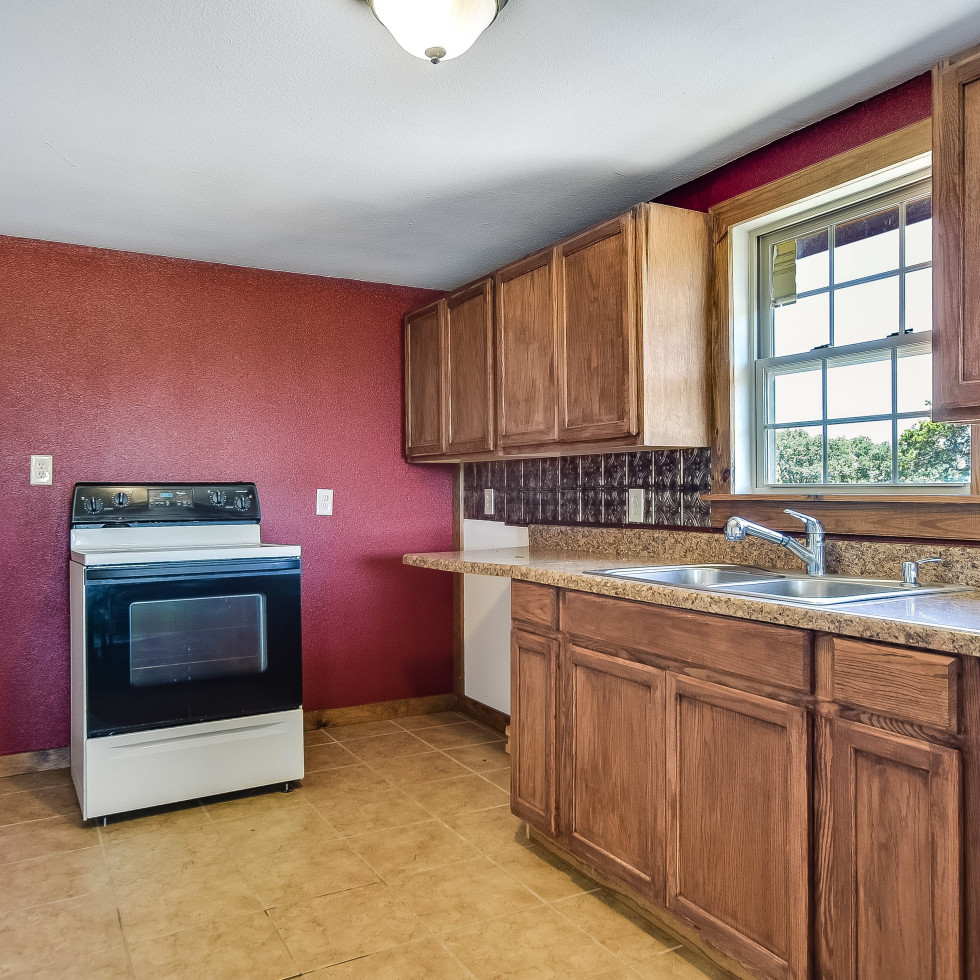 201 Greystone Ranch Bertram house for sale kitchen