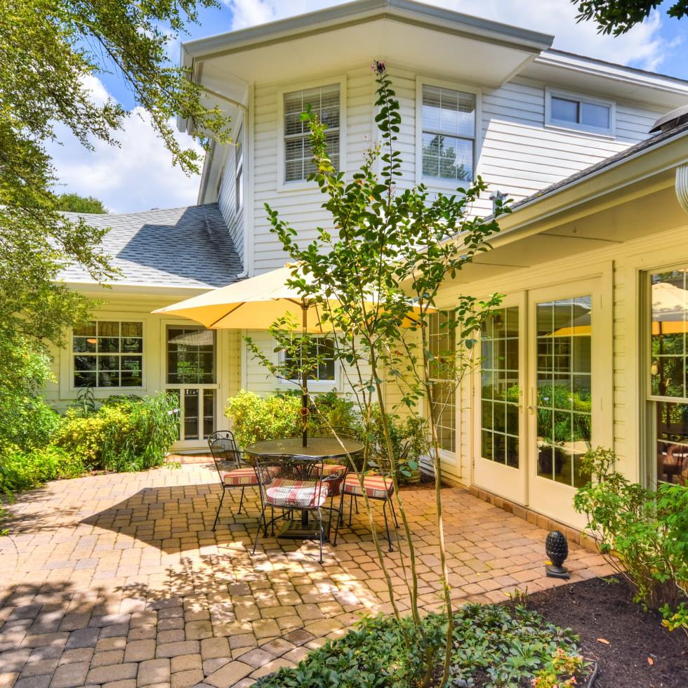 2400 Westlake Pass Austin house for sale patio