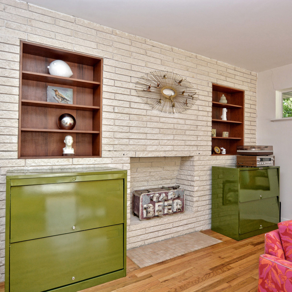 2808 Pickwick Austin house for sale fireplace