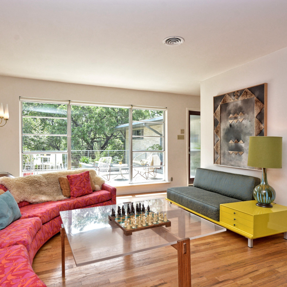 2808 Pickwick Austin house for sale living room