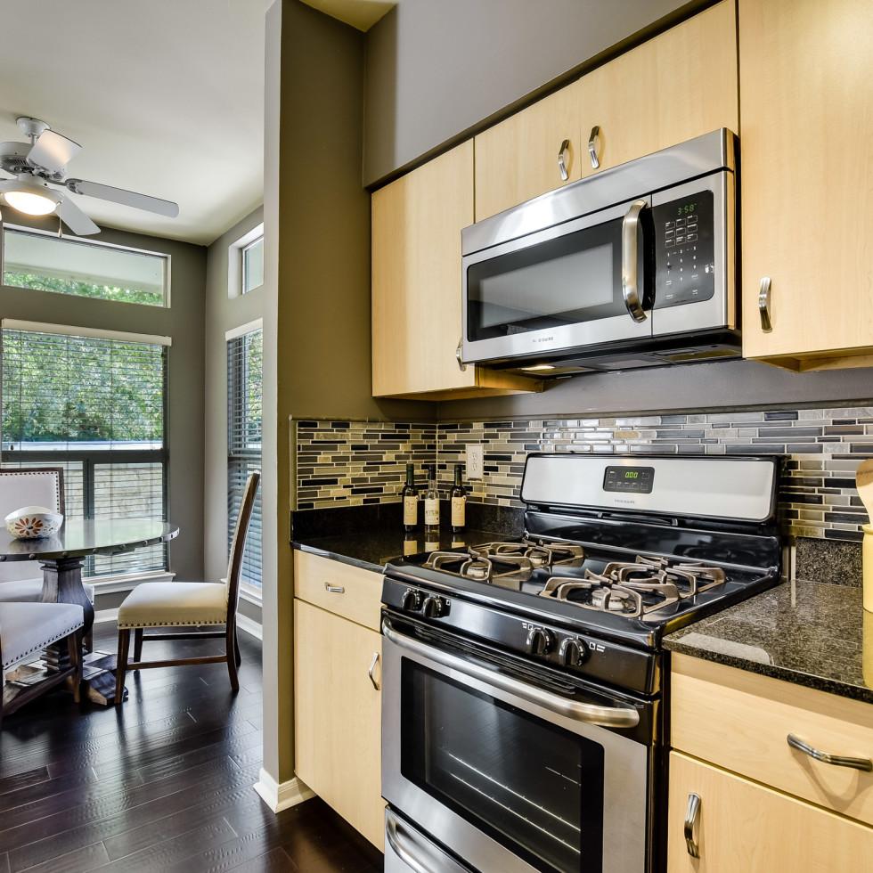 2209 Hancock Austin condo for sale kitchen
