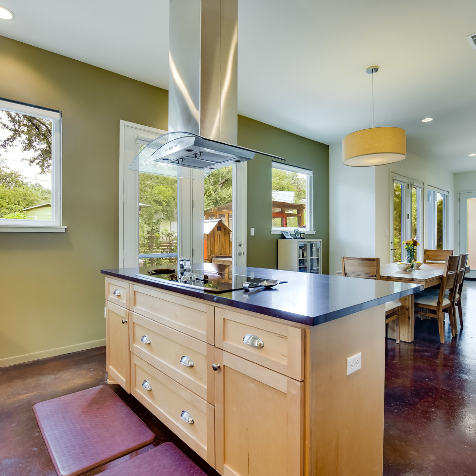 1513 3rd St. Austin house for sale kitchen