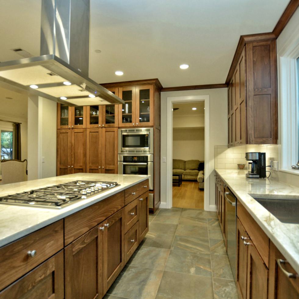 400 Almarian Austin house for sale kitchen