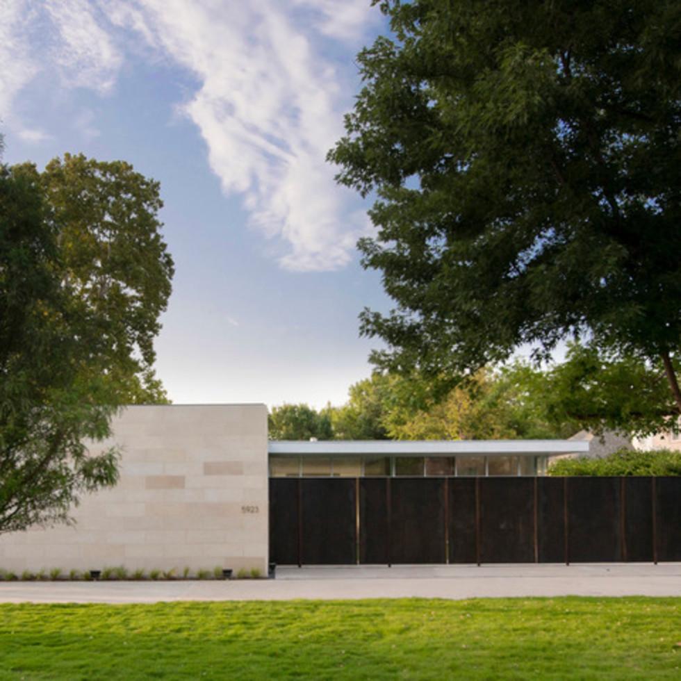 Houzz Dallas house home modern minimalism June 2016 front exterior