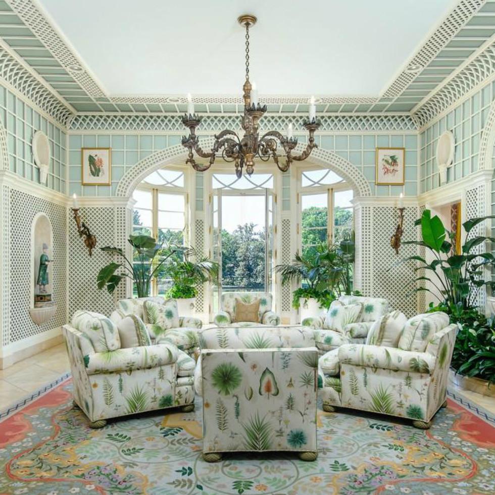 5950 Deloache Ave. for sale in Dallas living room