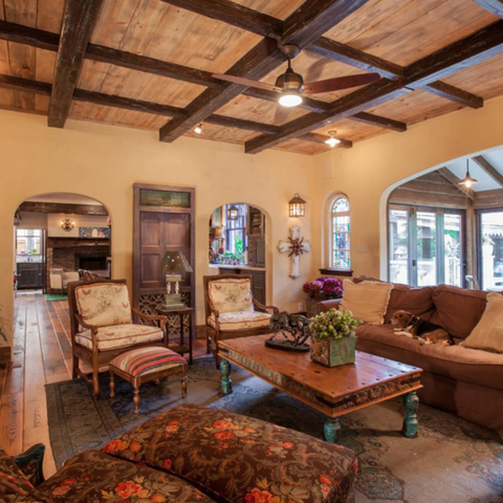 Dallas University Park home Houzz tour living room