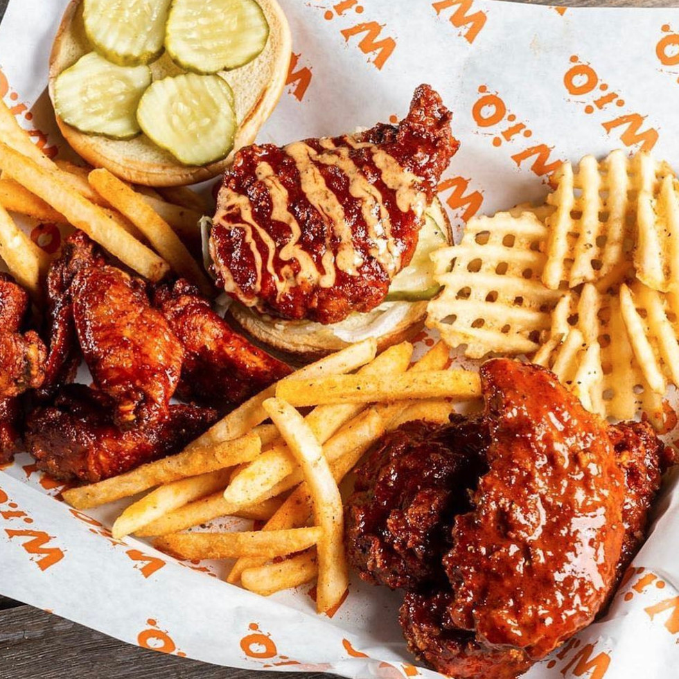University of Texas fashion show Elements preview class April 2016 students sewing