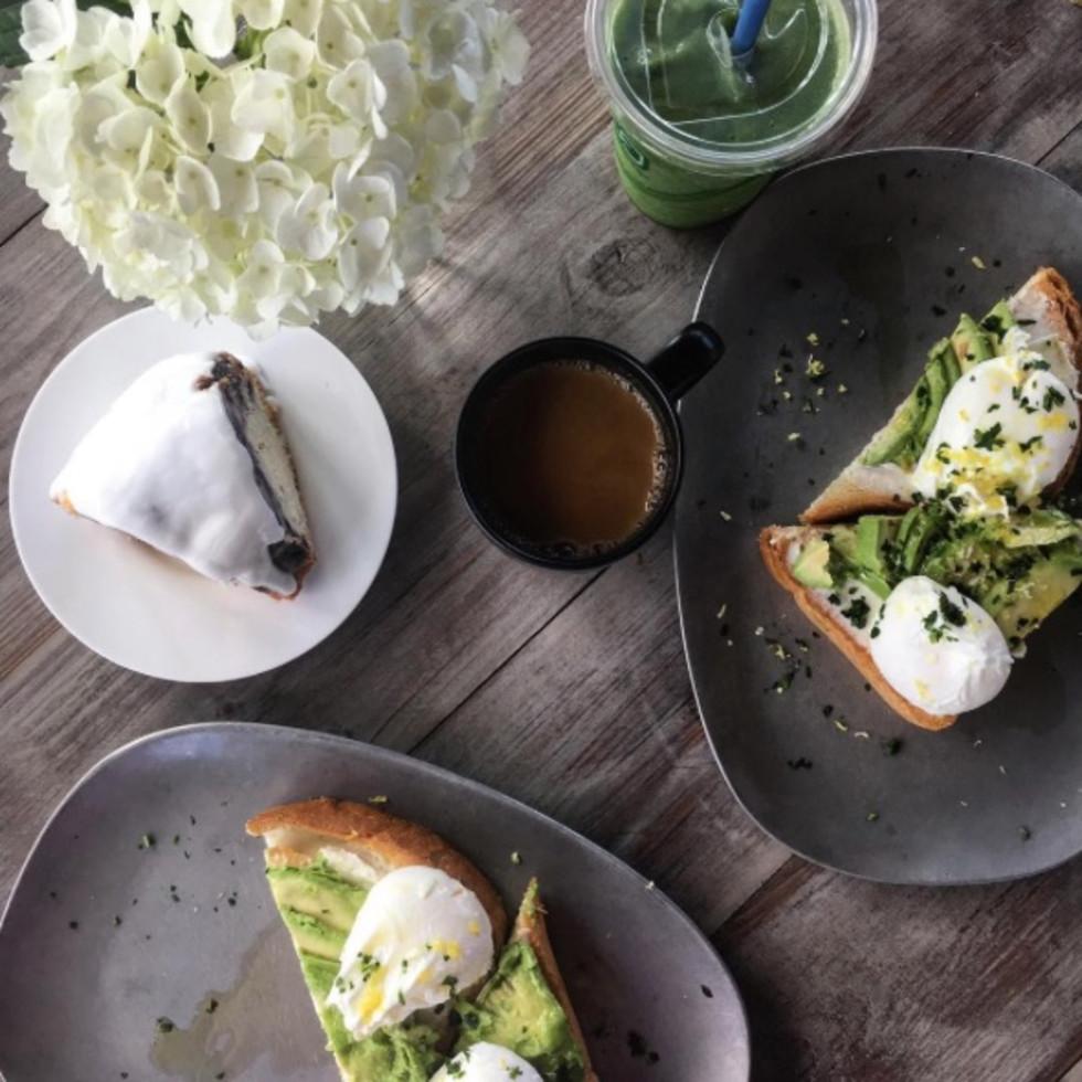 Houston, The Dunlavy, April 2016, avocado toast