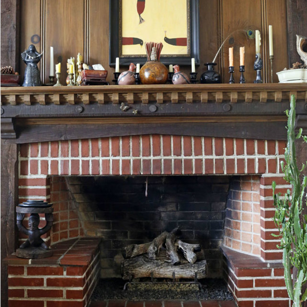 5106 Milam Charles Dilbeck house fireplace