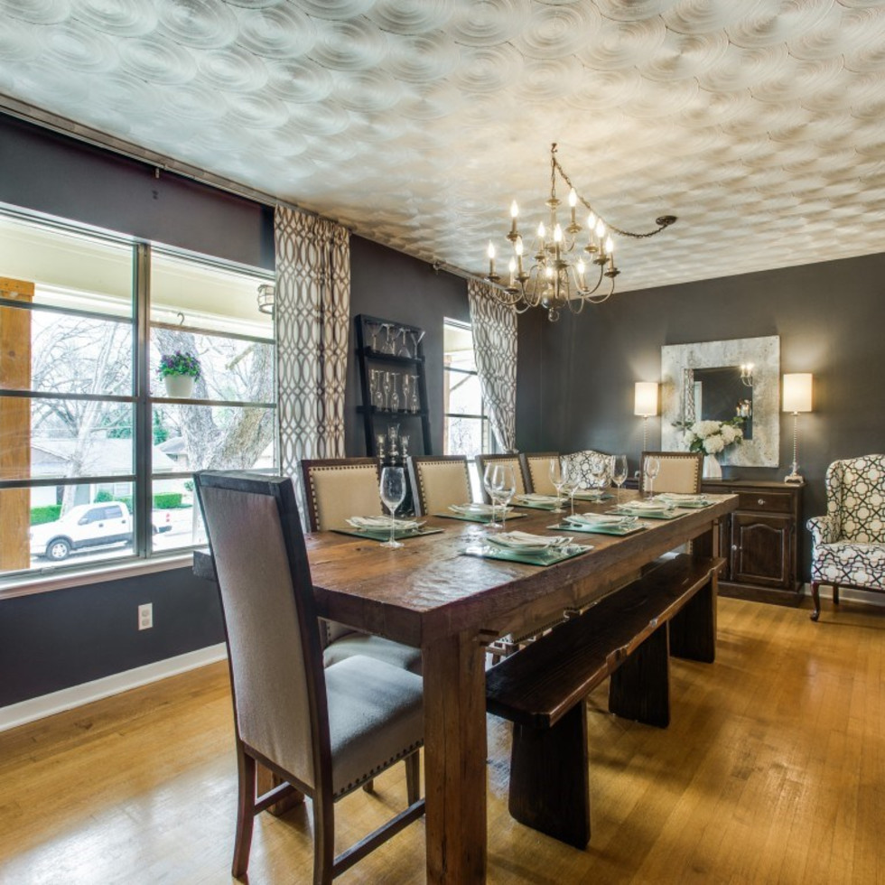 2421 Springhill Dr. dining room