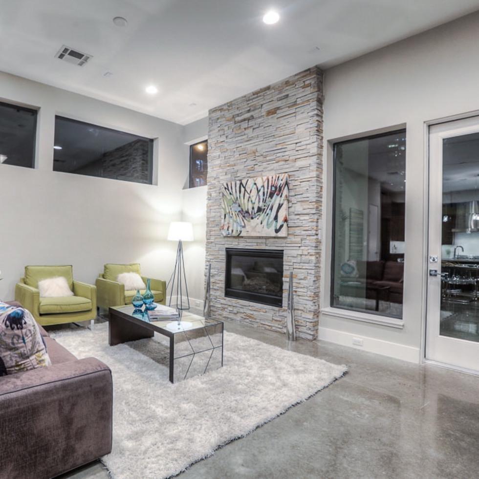2612 Westgate OTM living room