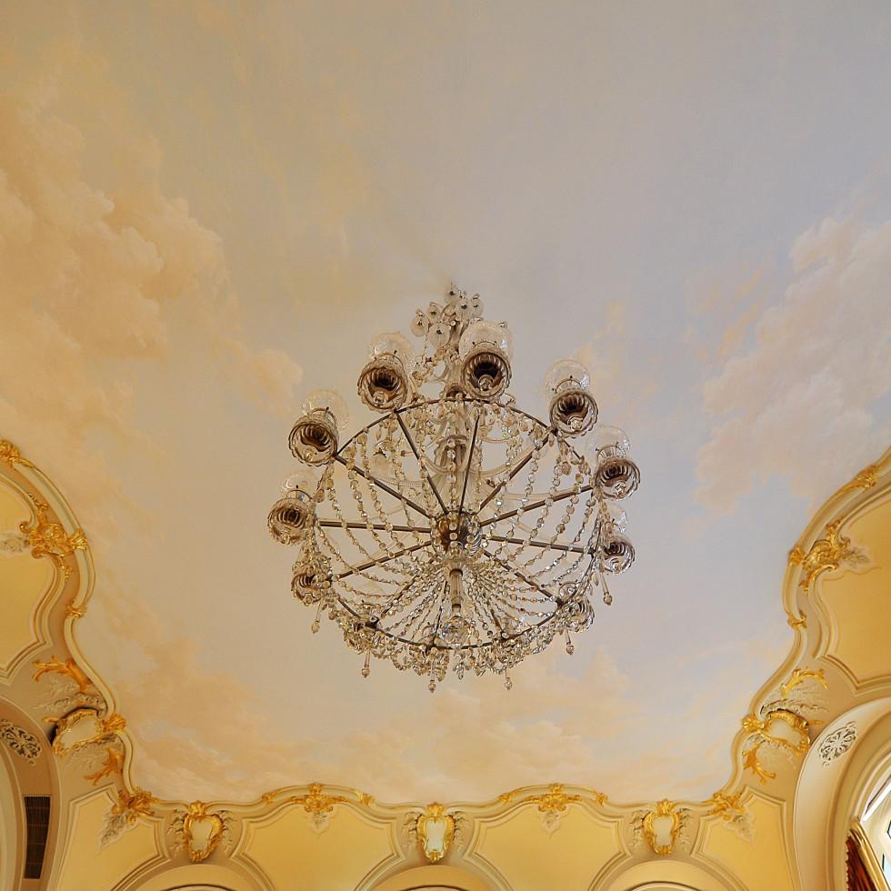 News, Ritz Hotel Paris, chandelier, Jan. 2016