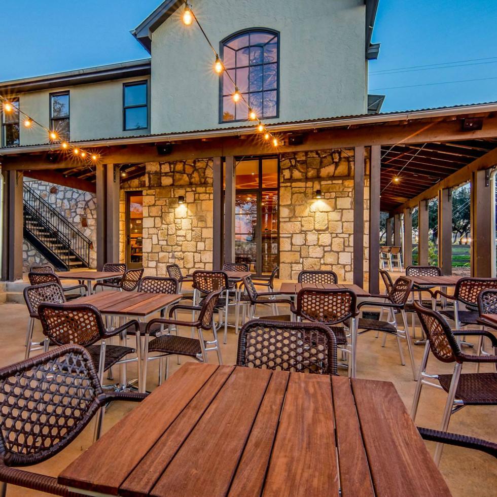 Apis Restaurant exterior