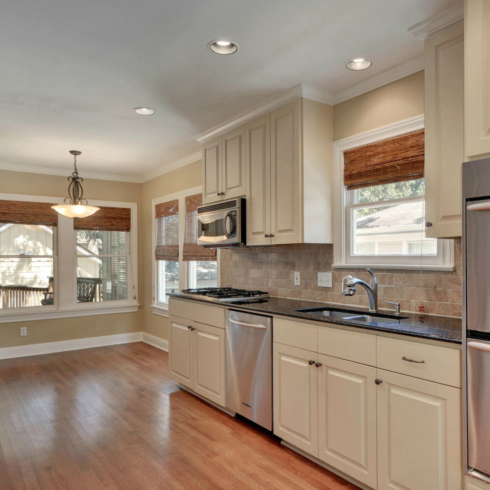 Austin house home 2104 Elton Lane Tarrytown 78703 kitchen