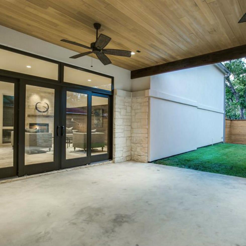 4428 Greenbrier patio