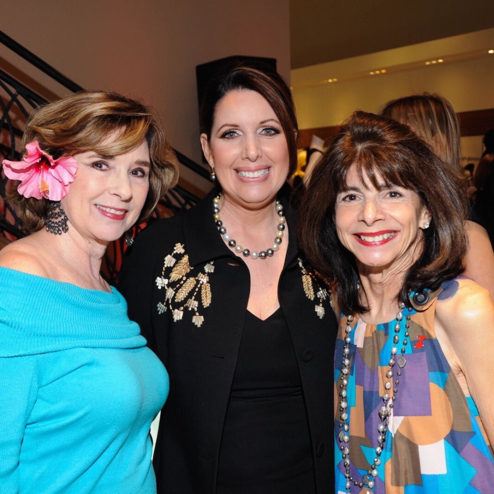 Liancarlo American Heart Association show at Elizabeth Anthony, Helen Perry, Julie Roberts, Terri Romano