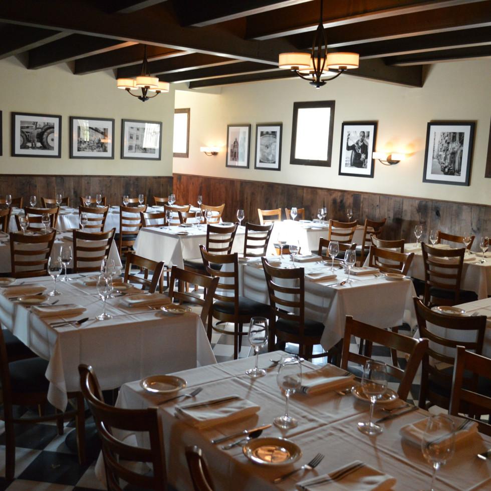 Al Fico dining room