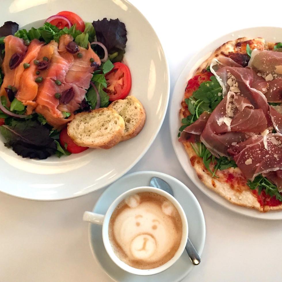 Houston, MFACafe, October 2015, salmon salad and prosciutto pizza