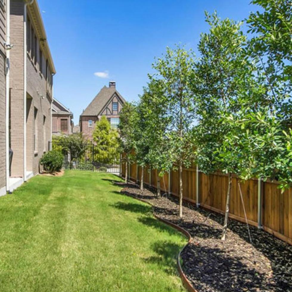 Side yard at 2272 Longwood Dr. in Carrollton