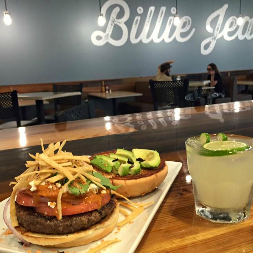 Billie Jean's Burger Pub Austin restaurant Azteca hamburger margarita