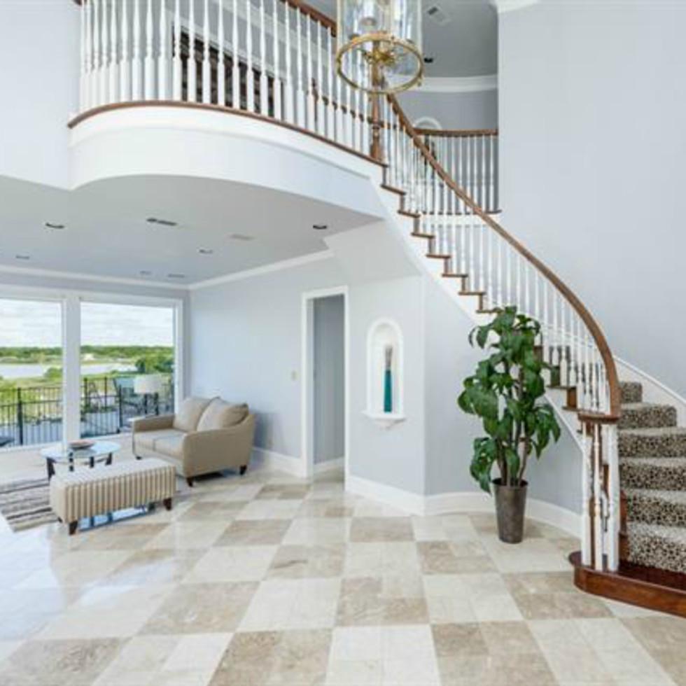 808 Lake Breeze Dr. Dallas home for sale