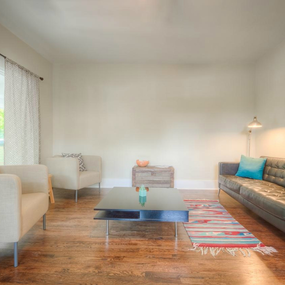1122 Gunter St 78702 East Austin house living room 2015